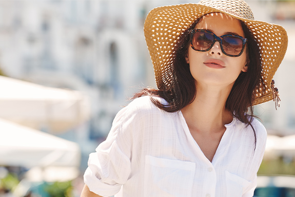 woman in sun with hat